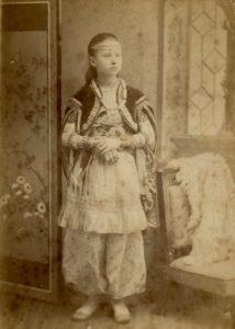 Edith Ogden, c. 1886. Photo by G. Churchill, 4 Cornfield Rd, Eastbourne