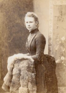 Edith Ogden, c. 1890. Photo by Mrs Williams, Darlington St, Wolverhampton