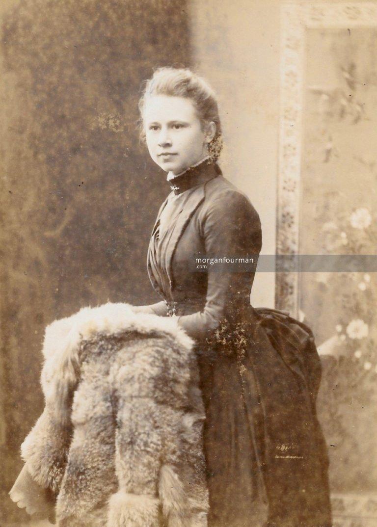 Edith Ogden, c. 1890. Photo by Mrs Williams, Darlington St, Wolverhampton