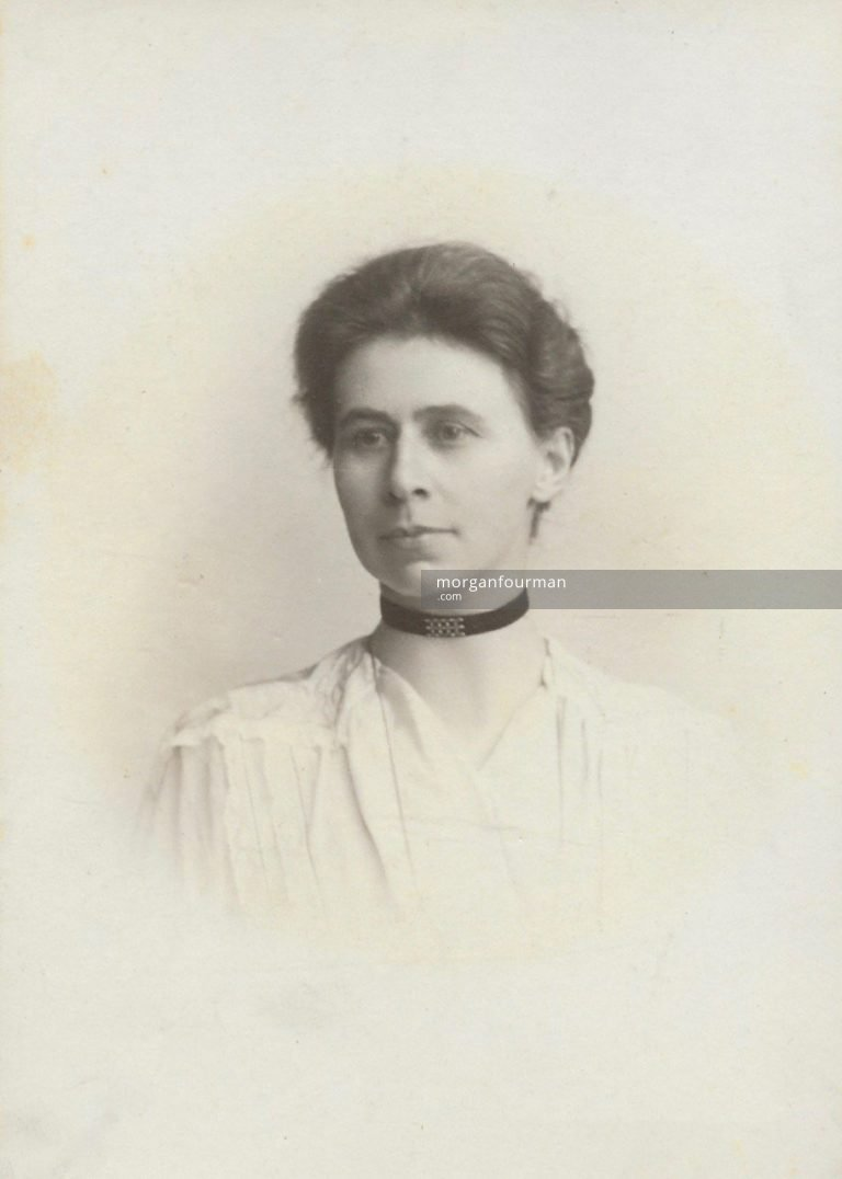 Edith Royse (née Ogden) in about 1914