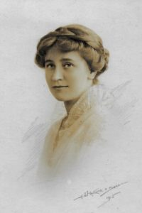 Molly Evans, 1915. Photo by H.J. Whitlock & Sons Ltd, 11 New St, Birmingham