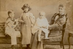 Wilmot, Molly, Phyllis and Florence Evans, c. 1895. Photo by Guggenheim & Whitlock, 63 Darlington St, Wolverhampton