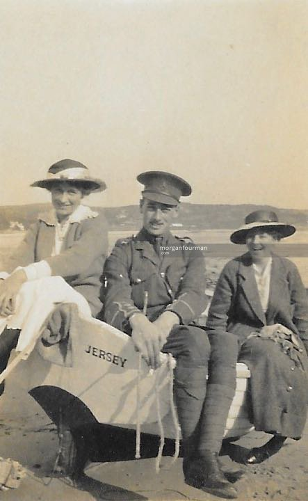 Molly, Ladas Hassell and Daisy Walker, Jersey, Oct 1915