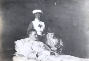 Molly with patients, Studley Court Hospital, Stourbridge, 1914