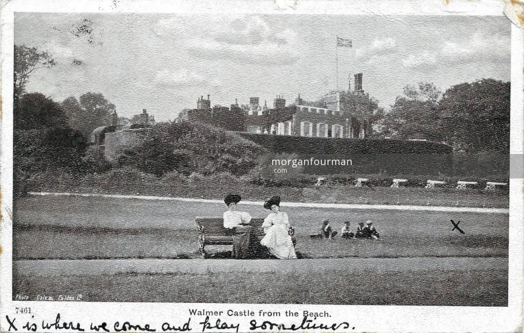 Walmer Castle from the Beach. Edith Mathews to Molly Evans postcard, Beach Court, Walmer, 11 Nov 1905