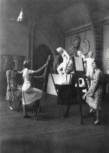 Drawing Class, Birmingham Arts School, 1939. Pam 2nd left