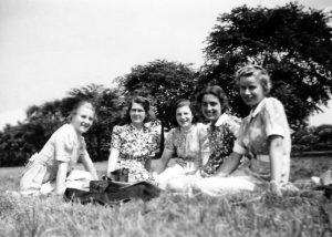 Pamela (right) with Arts School friends, Handsworth Park, Birmingham, 1939