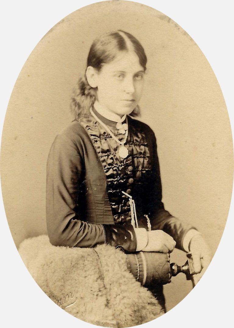 (Possibly) Fanny Downing, c. 1881. Photo by R.L. Graham, Top End of the Parade, Leamington
