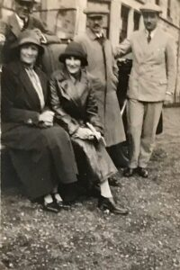Clive and Kathleen Pinsent with Noel and Molly Downing, Sep 1927