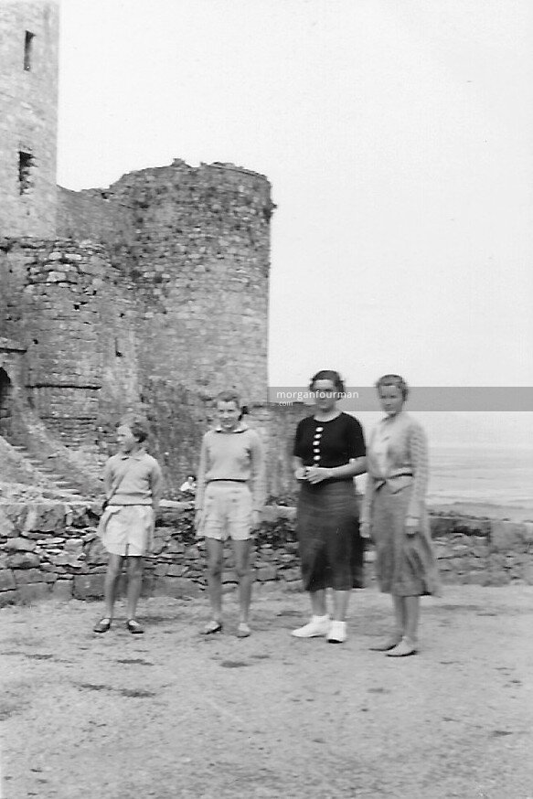 Colette Rastit with Downing family (l-r): Jill, Hazel, Colette, Pam, Harlech, Aug 1938