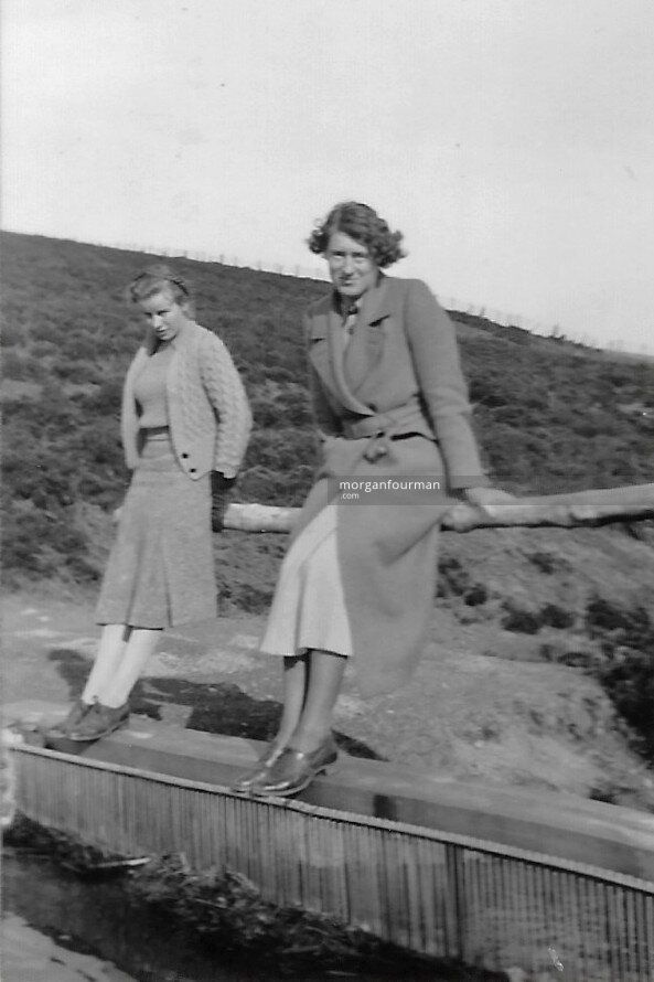 Pamela Downing and Joyce Foulds, Beacon, 20 Mar 1938