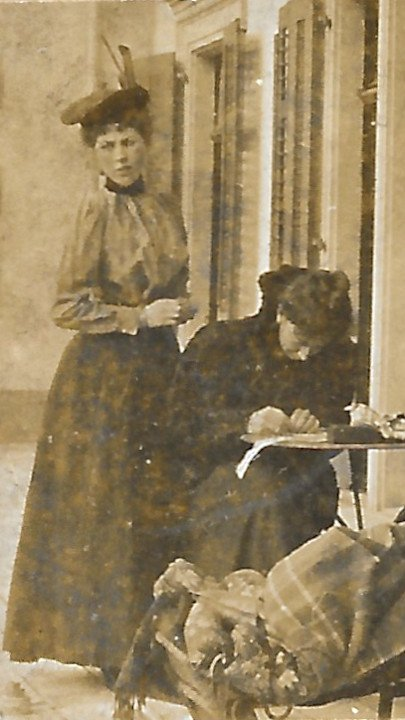 Daisy Downing and Carrie Herbert, Sierre, late 1890s